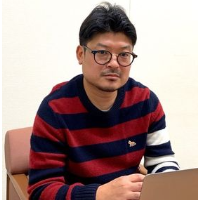 下川 猛 氏